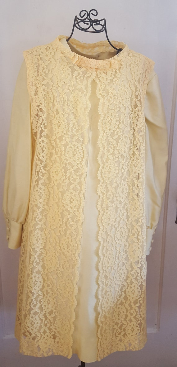 Elegant Vintage 1960's Buttery Yellow A-Line Dress