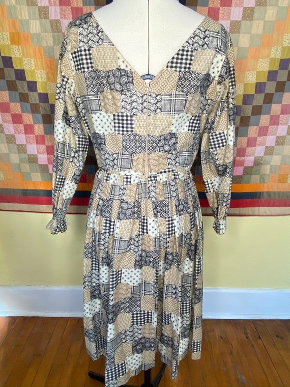 1960s patchwork print handmade dress, v-neck bow … - image 4