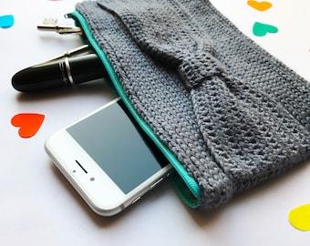 Crochet Bow Clutch Pattern