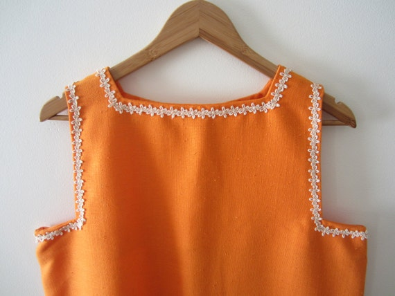 1960s Orange Smock Top with Daisy Lace Trim - Larg
