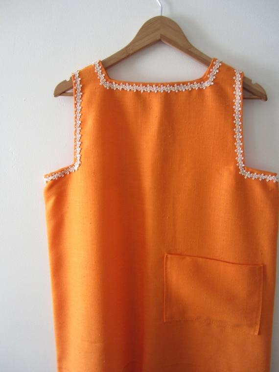 1960s Orange Smock Top with Daisy Lace Trim - Lar… - image 5