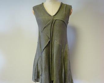 Feminine olive linen tunic size M.