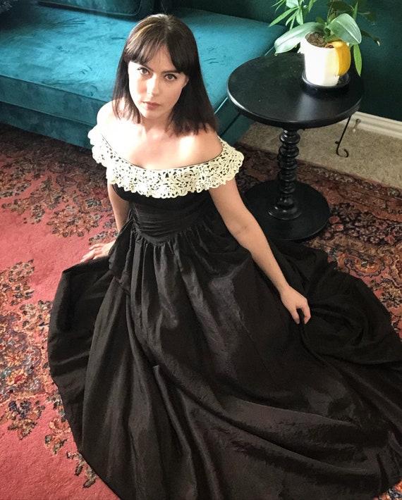 1940's Vintage Black Gown