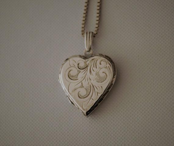 Vintage Silver Heart Locket Heart Locket Vintage Heart Locket Valentine Present Vintage Sterling Silver Heart Locket with chain