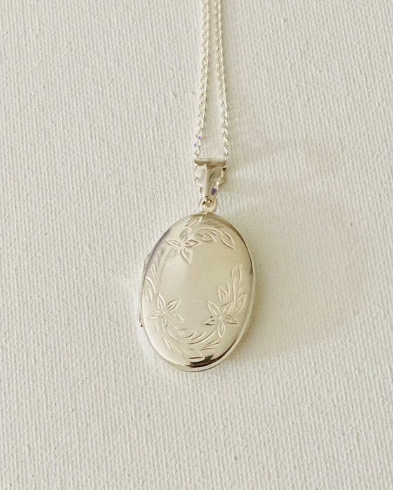 vintage Sterling Silver Locket with chain - Vintag