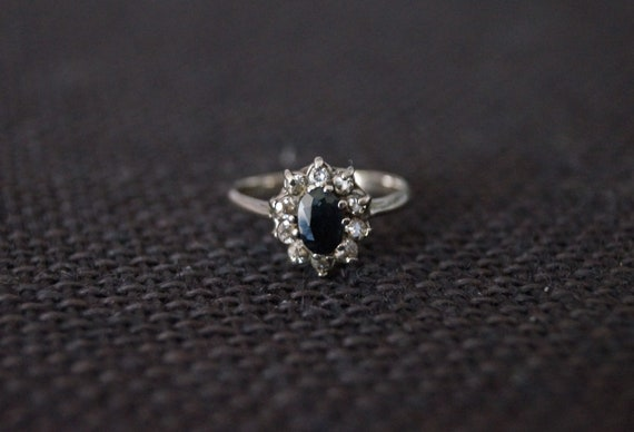 Vintage Sterling Silver Cluster Ring - Vintage Dar