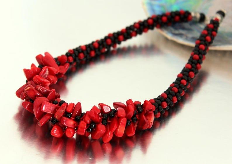 6abc49287a13 Rojo coral y negro ágata declaración Kumihimo trenza grueso