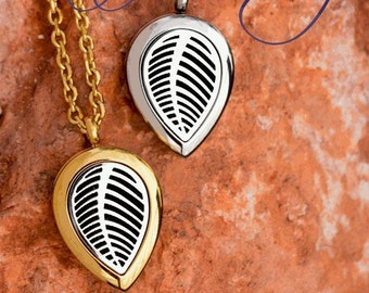 Essential Oil/Aromatherapy  Diffuser Locket Necklaces - Leaf Design 28mm - M2/M3