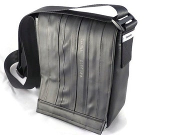 Small messenger bag – handmade upcycled bag of bicycle inner tubes (hs1)