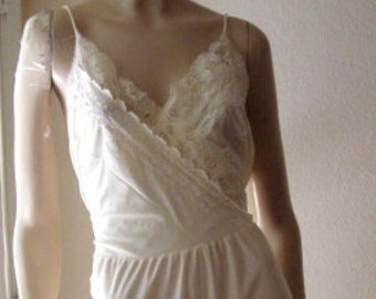 Vintage Sheer 100% Nylon Lacey Eyelet Off-White Nightgown Lingerie - XL