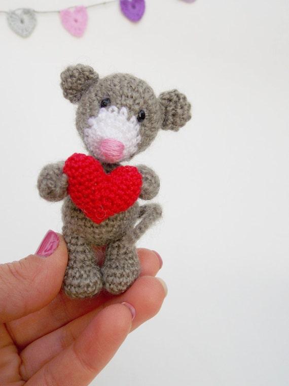 Mini Maus Mit Herz Häkeln Maus Puppe Amigurumi Tier Cutie Etsy
