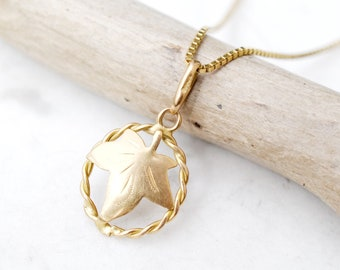 b9764c995b Solid Yellow Gold Leaf Necklace, Gold Maple Leaf Necklace, Yellow Gold  Maple Leaf, 18k Gold Estate Jewelry, Gold Layering Necklace