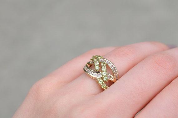 10k Yellow Gold Peridot Criss Cross Ring, Gold Per