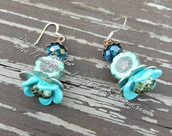 Hand created glass blue daisy earrings ooak