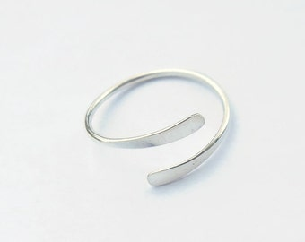 Adjustable Sterling Silver Midi Ring - Knuckle Ring - Toe Ring - 18g - Split Ring - Hammered - Overlapping - Handmade- Great Gift