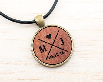 Wooden Necklace, Cabochon Medaillon bronze vintage, round wooden pendant vegan, gift for women, jewelry for him, natural jewelry, unisex