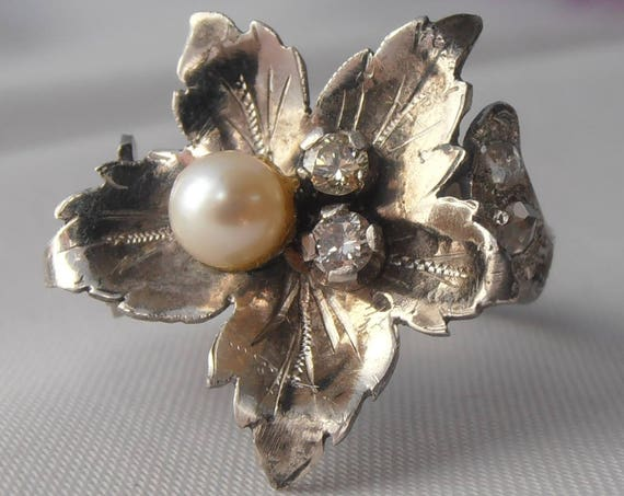 Vintage Platinum Flower Ring with 5mm Pearl and Diamonds - Size 6.5 - Engagement Ring - Anniversary