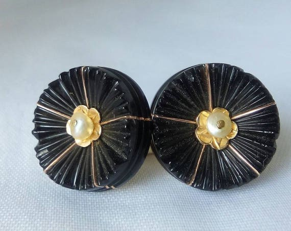 Vintage 14k Yellow Gold Stud Earrings with Black Jet - Gift for her - Anniversary - Valentines's Day