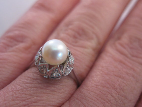 18k White Gold Ring with 0.4 ct Diamonds and 7mm-7 1/2mm Natural Pearl Size 6.5 - Engagement Ring - Anniversary
