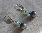 Earrings grey hematin mat...