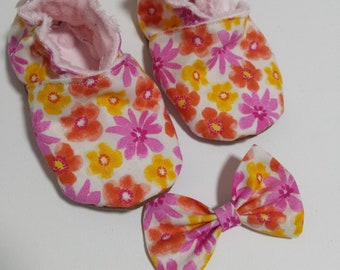 Dainty floral soft soled shoe and bow set/ grip/Faux Suede/bow/floral/booties