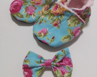 Aqua floral soft soled shoe and bow set/ grip/Faux Suede/bow/floral/booties