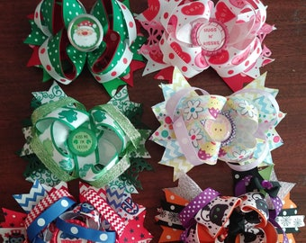 "All holidays seven 5"" boutique stacked hair bows on single prong alligator clip"
