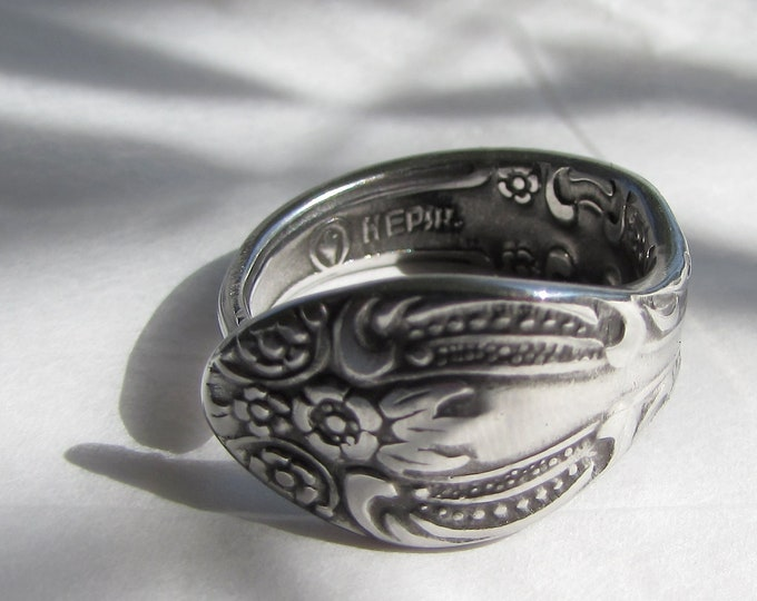 Stainless Steel spoon ring. Sizes 4-12 Made from a demitasse spoon.