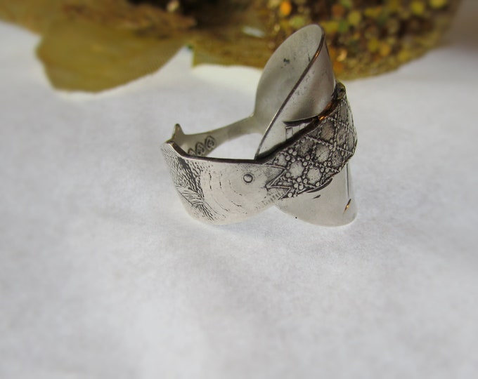 Idaho spoon ring. Fish ,net, and shell band. Sterling Paye & Baker spoon