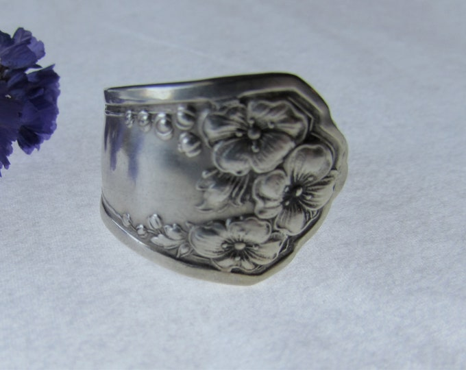 Spoon Ring. Hollyhock spoon ring. Sizes 5-15.