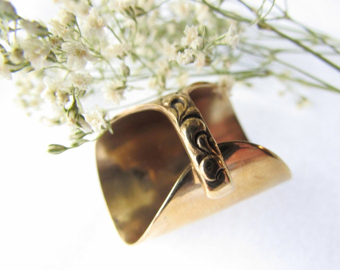Golden Spoon ring. Shield spoon ring. Silverware jewelry. sizes 6-15.