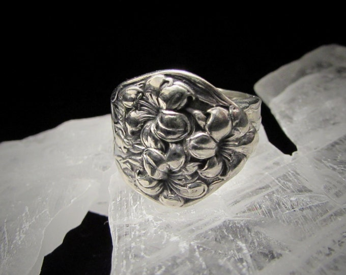 spoon ring. Art Nouveau  'Lilyta' ,made from an Antique silverplate  spoon.Romantic hisory spoon Rings. Promise Rings. Anniversary Gift.