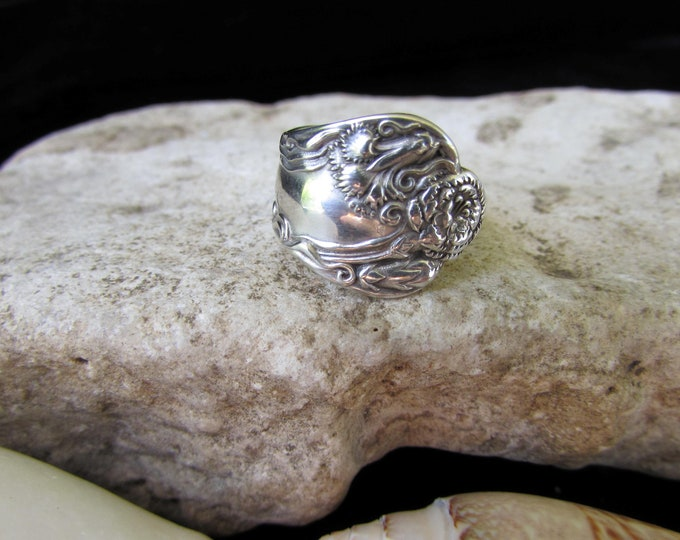 Carnation flowers Spoon Ring.Small US ring size 5.Super cute. Sterling Silver.