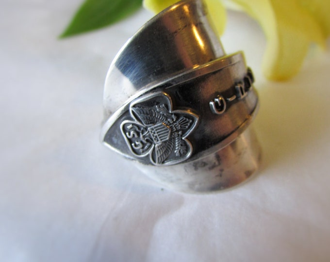 Girl Scouts of the USA Spoon ring.Shield ring. Sterling silver spoon ring.