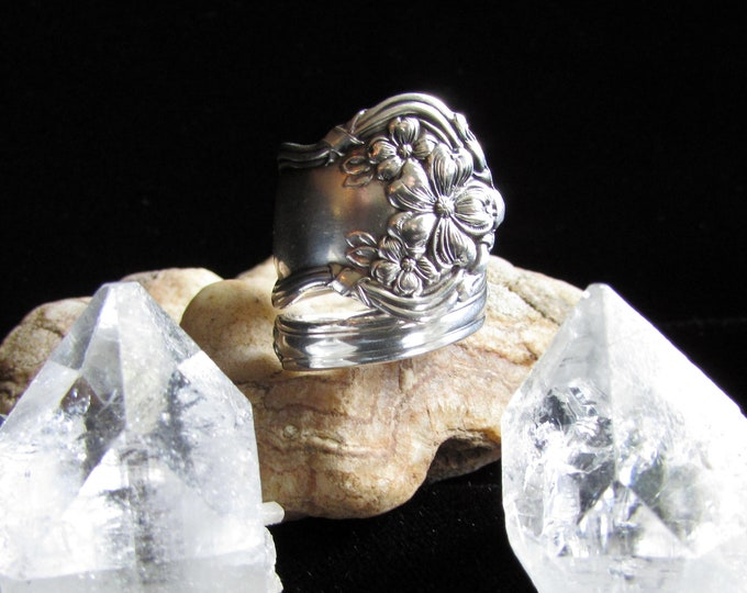 Spoon Ring .1908 'Arbutus' spoon ring.Wm. Rogers and Son.Silverplated .