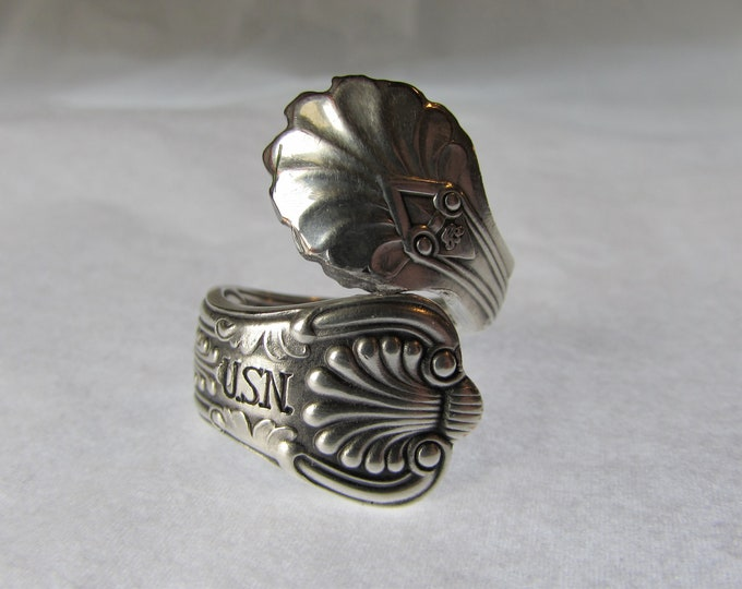 U.S.N. Spoon Ring. Anchor detail inside and out. Vintage Silver plate