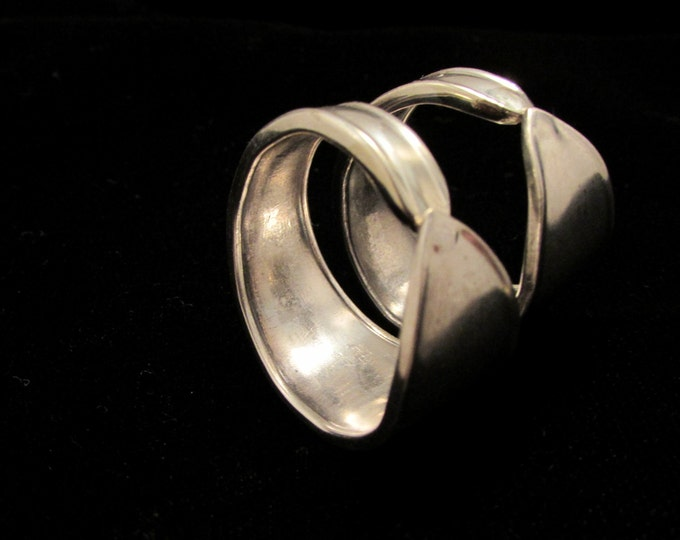 Spoon Ring Set. Modern rings. Bare Bands.Wedding rings. Sister rings. Promise rings. Renaissance Wedding.woodland spoon ring. Live Simply.