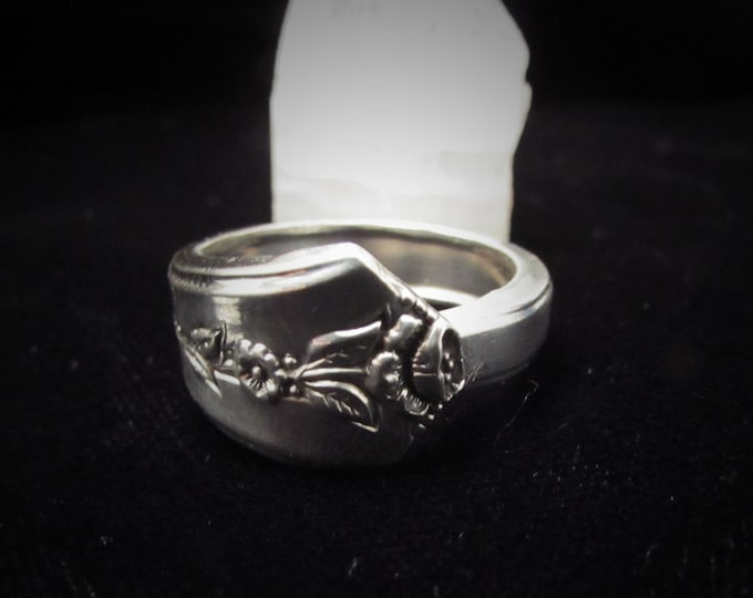 Spoon ring. Band of delicate flowers ,made from an Antique silverplate Spring Garden  spoon.Romantic history spoon Rings. Promise Rings.