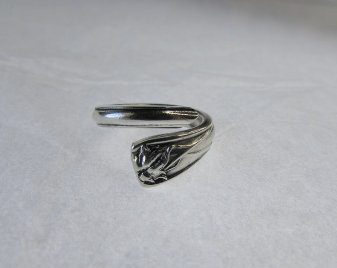 Ivy spoon ring Small size 5 Spoon Ring. Promise Rings.