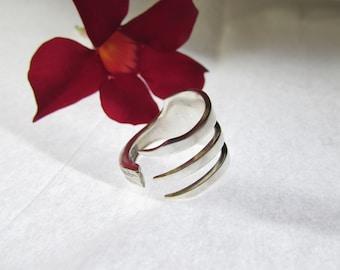 Fork ring.  Three tine Fork ring. Trident ring. Size 4-14