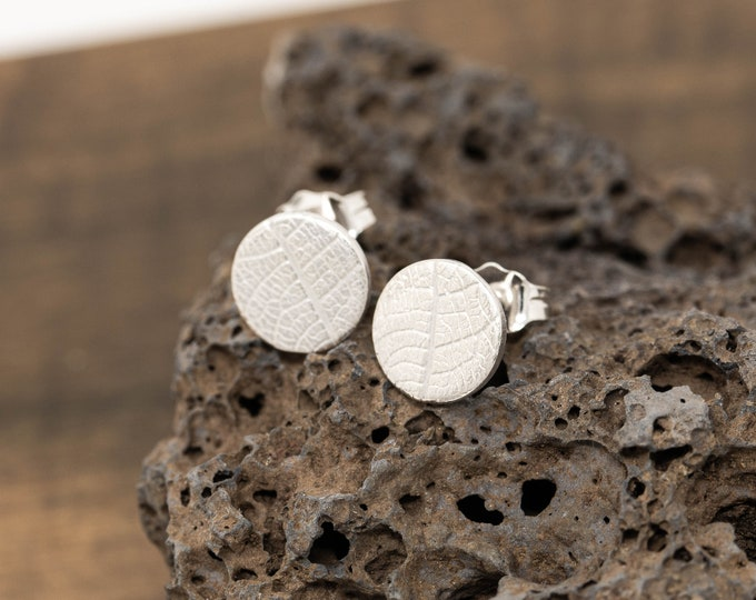 Sterling Silver Leaf Skeleton Patterned Disc Earrings,Gardeners Gift,Sterling Silver Autumn Leaf Stud Earrings,Gift for Her