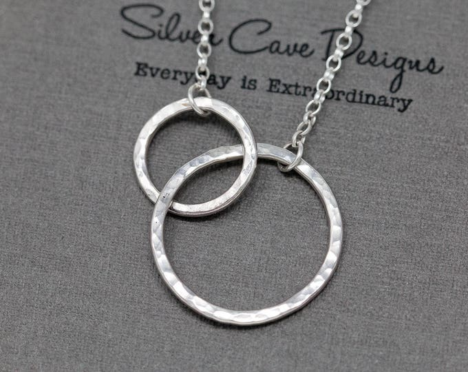 Sterling Silver Circle Necklace|Interlocking Circles Necklace|Sterling Silver Infinity Circle Necklace|Mothers Necklace|Gift for Her