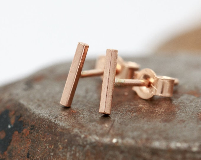 Solid 9ct Rose Gold Bar Stud Earrings|Minimalist Gold Earrings|Gold Bar Earrings|Gold Staple Earrings|Gold Line Earrings|Unisex|Gift for Her