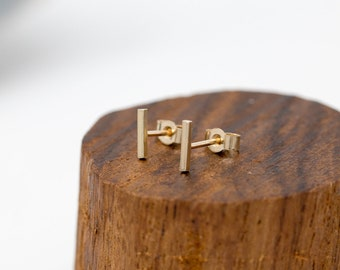 Solid 9ct Gold Bar Stud Earrings|Minimalist Gold Earrings|Gold Bar Earrings|Gold Staple Earrings|Gold Line Earrings|Unisex|Gift for Her