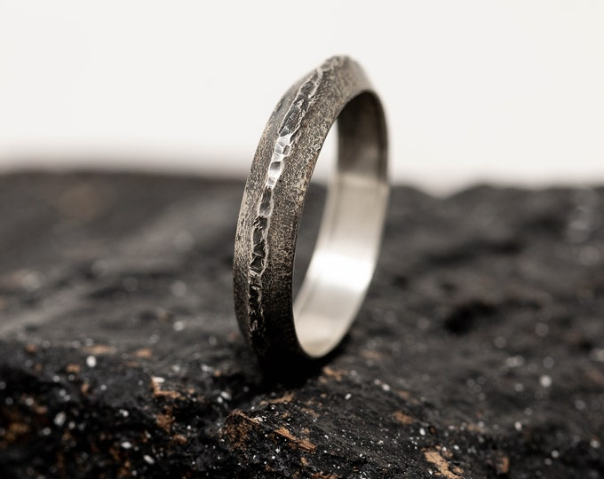 Sterling Silver Hammered Rustic Ring, Mens Ring, Triangle Profile Ring, Thumb Ring, Handmade Ring, Organic Ring, Unisex Ring, Gift for Him