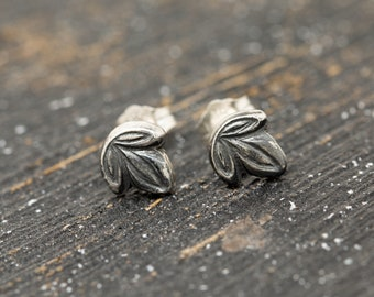 Sterling Silver Ivy Leaf Earrings, Silver Leaf Earrings, Silver Leaf Stud Earrings, Floral Earrings, Leaf Earrings, Handmade Earrings