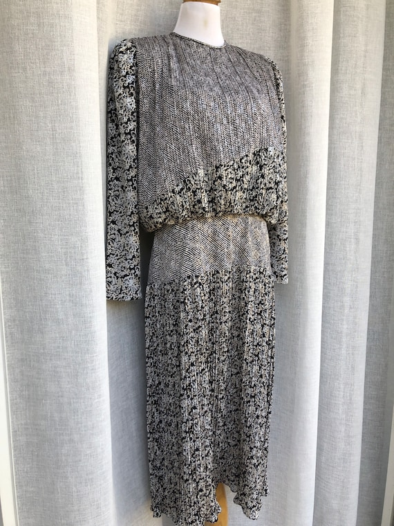 Patty O'Neil long sleeve micro pleat midi dress w… - image 3