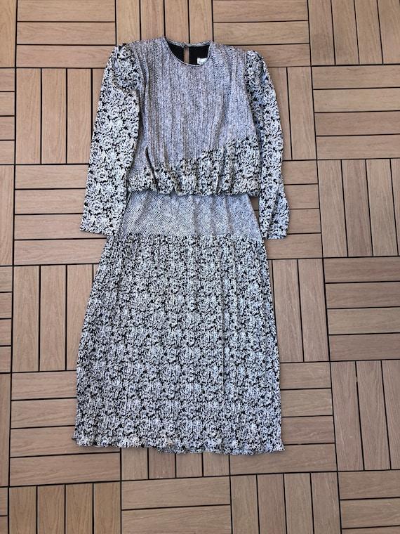 Patty O'Neil long sleeve micro pleat midi dress w… - image 7