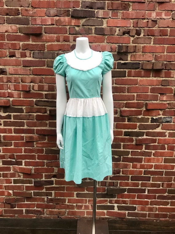 Xs/small • 1940s SEAFOAM GREEN eyelet lace June Be