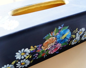 Hand painted/acrylic painting/home decor/wooden tissue box holder---Vintage holland folk art style